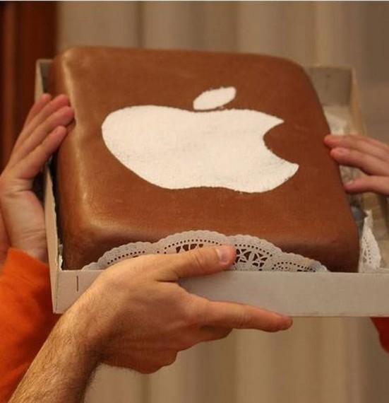 Торт с логотипом Apple