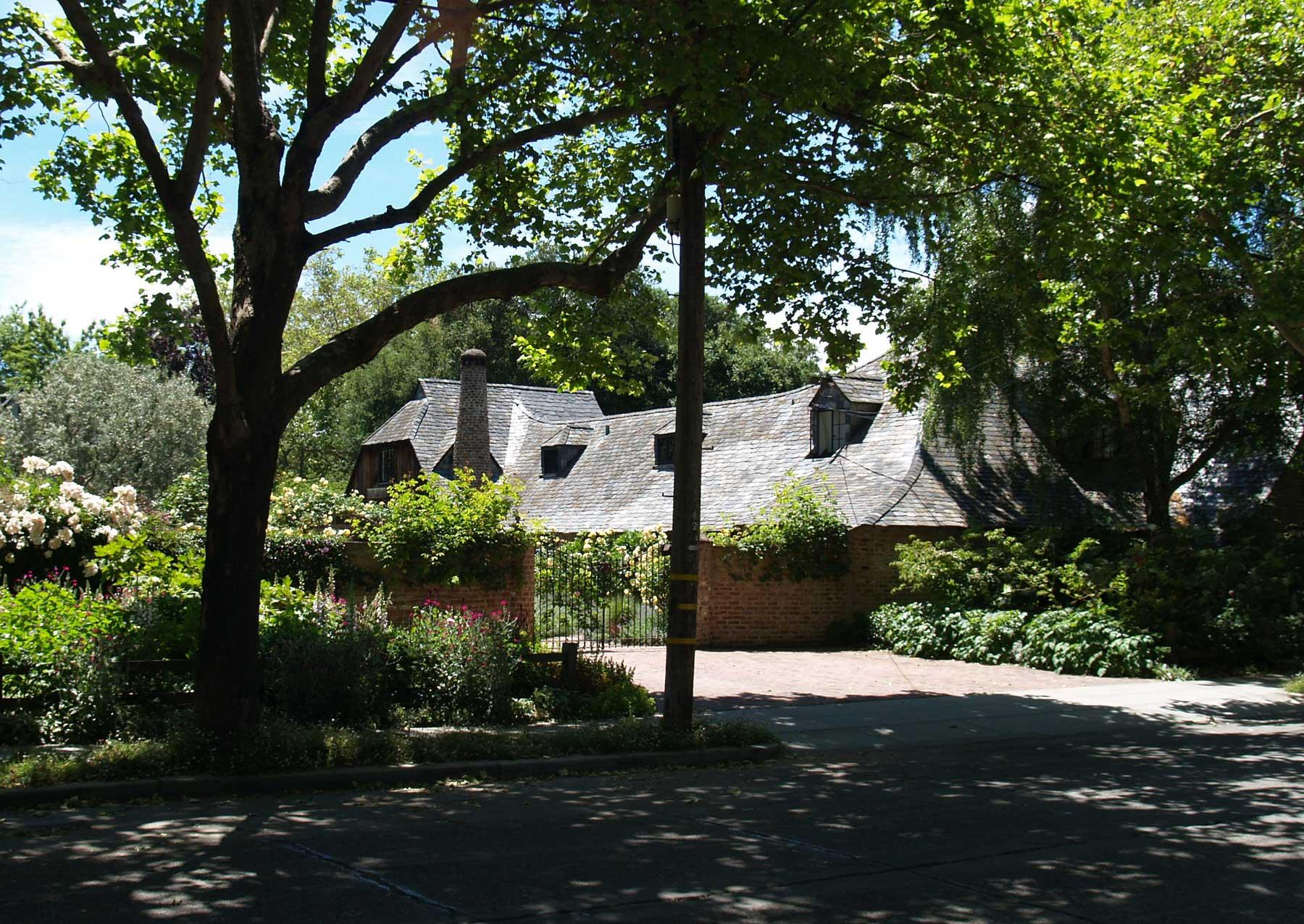 Семейный дом Джобсов в Old Palo Alto